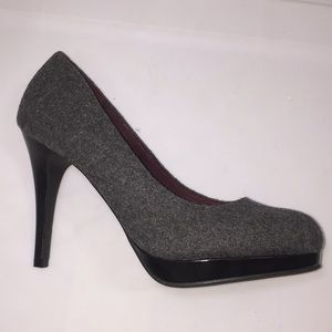 Platform gray tweed high heels black patent EUC